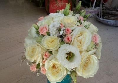 Νυφική ανθοδέσμη με τριαντάφυλλα ,τριαντάφυλλα πολύκλωνα και λυσίανθο