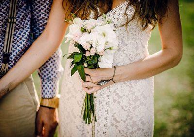 Νυφική ανθοδέσμη σε μπόχο στύλ  με τριαντάφυλλα λυσίανθο