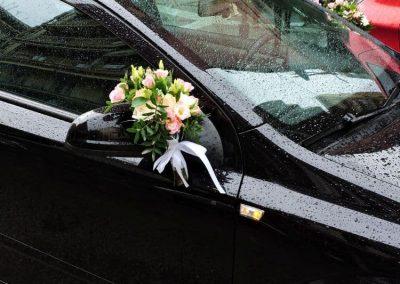 bouquets_car