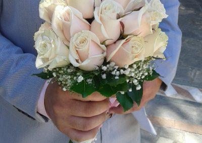 ανθοδέσμη νυφική με ιβοθάρ τριαντάφυλλα.. δροσερή καλοκαιρινή