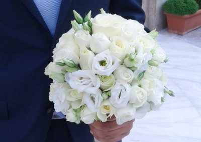 mix white flowers bouquet