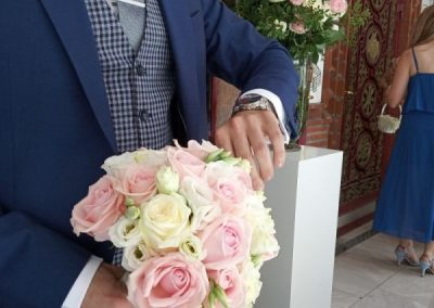 Νυφική ανθοδέσμη με ρόζ και λυκάλουλούδια